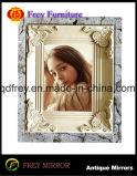 華やかな木のクラフトの壁Mirroか映像の写真フレーム