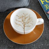 骨灰磁器のコーヒーカップのカプチーノのイギリスのヨーロッパの午後のコップ