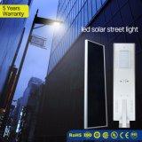 Garantía de 5 años Sensor de movimiento PIR LED de control inteligente de luz solar calle