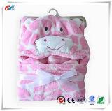 Neonati o coperta dentellare incappucciata dell'animale della mucca delle neonate