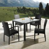 Presidenza accatastabile della mobilia di alluminio esterna usando per la Tabella della squadra a triangolo del ristorante (YT182)