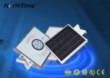 Lâmpada de rua psta solar do diodo emissor de luz do sensor de PIR com painel de Solarworld