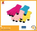 Цветастые перчатки способа экрана касания