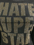 汚れた洗浄を持つ女性のための熱く鋭い文字のTシャツ