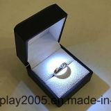 Black LED Lighting Jóias Engagement Wedding Ring White Gift Box