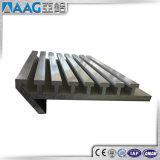 Profils en aluminium expulsés industriels avec les traitements extérieurs et la pente personnalisés d'alliage
