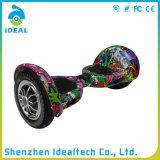 auto di velocità massima 15km/H che equilibra un motorino delle 2 rotelle E