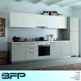 Armario simple de la cocina del pequeño diseño de la cocina