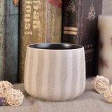 Tazza di ceramica della candela con la decorazione grigia del rivestimento per i centri della Tabella