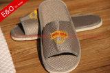 Broderie Logo Mesh une bonne perméabilité Slipper pour l'hôtel