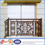 Het in het groot Klassieke Traliewerk van het Balkon van het Smeedijzer/de Gegalvaniseerde Balustrade van het Balkon van het Staal