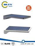 屋外PIRの動きセンサーLEDの太陽壁ライト