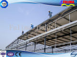 El bastidor de acero de la construcción de almacén taller