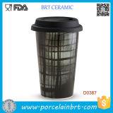 Caneca de viagem em cerâmica preta com muro duplo e tampa de silicone