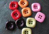 La alta calidad caliente del vendedor embroma el botón de la resina de la ropa de la ropa