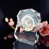 De eenvoudige Klok van het Kristal van het Ontwerp Vierkante met Embleem