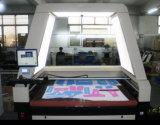 Macchina fotografica che posiziona la tagliatrice del laser dell'alimentazione automatica per tessuto