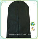 La guarnizione non tessuta ambientale della chiusura lampo del nero pp copre il sacchetto impaccante del vestito dell'indumento della prova della polvere