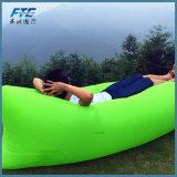 Luz - saco de sono ao ar livre do ar preguiçoso verde da praia
