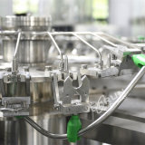Машина автоматической пластичной стеклянной жидкостной бутылки минеральной вода заполняя разливая по бутылкам
