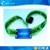 2016 самый последний сплетенный Wristband ткани RFID