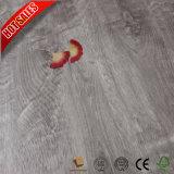 Suelo de madera del laminado del blanco de la superficie del grano