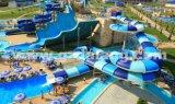 Trasparenza di acqua magica del traforo, trasparenza del parco di divertimenti