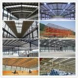Gruppo di lavoro chiaro prefabbricato della struttura d'acciaio che costruisce in Angola