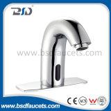 Robinet de lavage à main électronique à capteur chromé Robinet de lavabo à laiton automatique