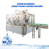Bouteille de verre automatiques de boissons l'eau minérale de liquide de lavage de l'embouteillage de plafonnement de la machine de remplissage