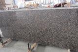 競争のより安いバルト海のブラウンの花こう岩の石のタイル、平板中国製