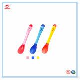 Чувствительные к нагреву пластиковые PP изменение цвета ложки для детского питания