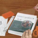 투명한 종이를 묶는 책 표지