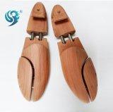 サイズによって調節される芳香のヒマラヤスギの木製の膨脹可能な靴の木