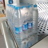 L'eau de bouteille et film de rétrécissement de empaquetage de boisson