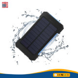 新しい到着携帯用防水RoHS 10000mAhは太陽充電器力バンクUSBポートの携帯電話の二倍になる