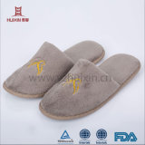 La plupart des chambres confortables 100% coton serviette éponge Hôtel jetables pantoufles gros en Chine EVA Slipper