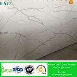 Calacattaの白い人工的な水晶石のジャンボ平板
