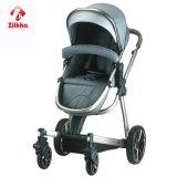 Carrinho de criança de bebê com frame e Carrycot regular do assento e os regulares e Carseat