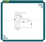 Robinet en laiton de mélangeur de bassin monté par paquet répandu de robinet de salle de bains
