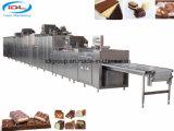 شوكولاطة يجعل مزج آلة لأنّ ينتج شوكولاطة مع صواميل