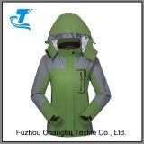 2017 새로운 디자인 옥외 두건이 있는 야영 하이킹 등산가 비 재킷