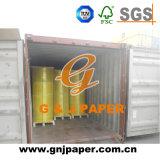 Papier autocopiant jaune et vert enduit avec l'emballage de roulis