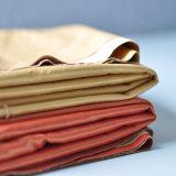 Провод фиолетового цвета ткани для одежды