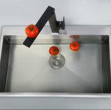 Singolo rubinetto del dispersore di cucina del nero della parte girevole della leva