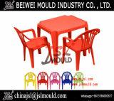 最上質の注入プラスチック表および椅子のプラスチック家具型