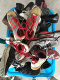Дешевое цена использовало экспорт 2016 ботинок Zhejiang фабрики ботинок используемый большим частью для рынка Африки