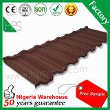 Tuiles de toit en acier enduites en métal de sable d'aperçu gratuit