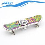 De veelkleurige Autopedden friemelen de Spinner van de Hand met Skateboard