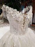 Une ligne robe de mariage en cristal sans bretelles de lacet de Finging d'amoureux